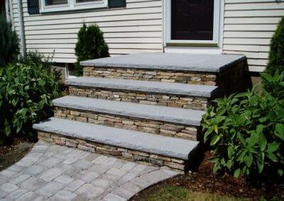 Stone Veneer Penn Flatstone w Granite Treads