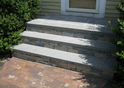 Stone Veneer Ledgestone w Granite Treads