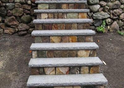 Stone Vener Round w Granite Treads