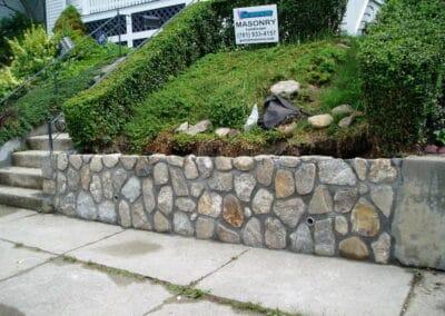 Stone Wall Fieldstone w Exposed Joints